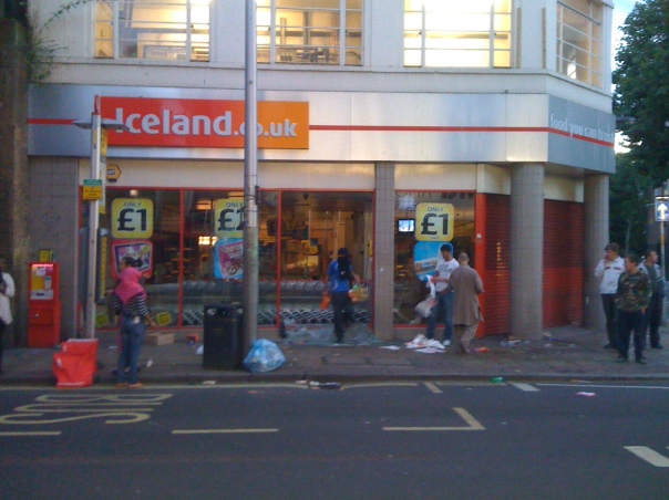 Looting in Iceland, Rye Lane, Peckham.